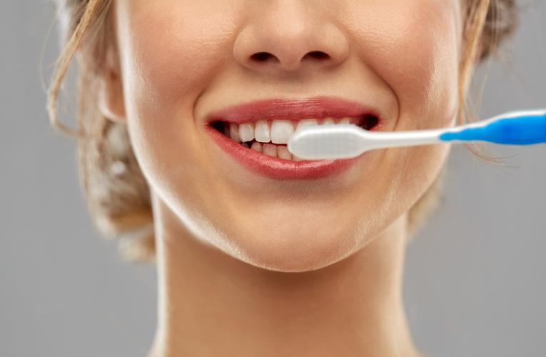 [新聞] 每天認真刷牙 為什麼還會得牙周病?